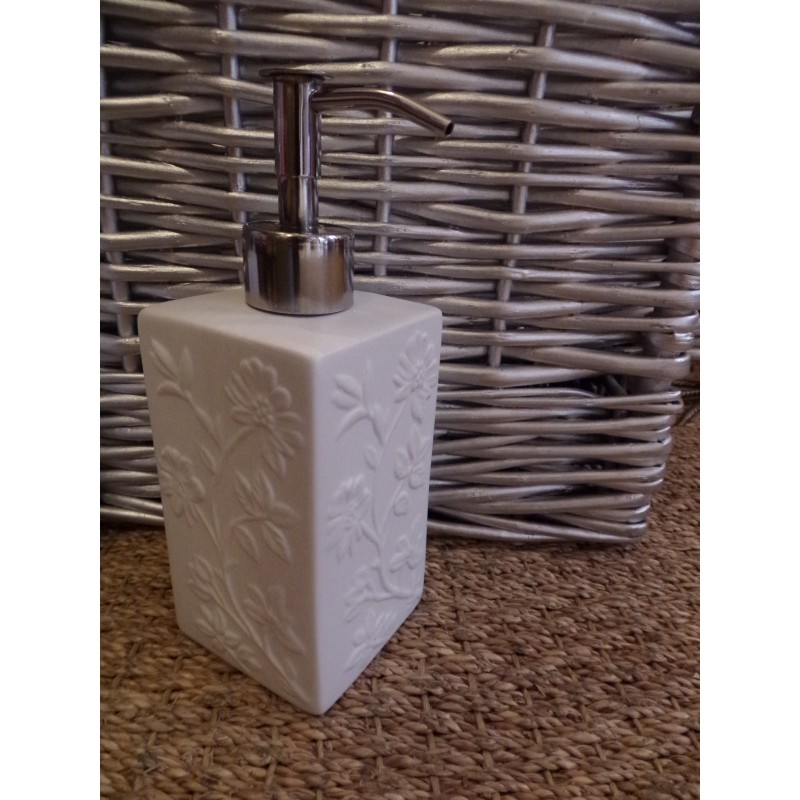 Coffret 4 accessoires salle de bain blanc fleurs relief - Accessoire salle de bain blanc ...