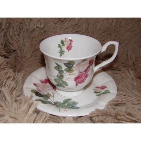 Tasse et sous tasse à thé porcelaine chinabones modèle Roses Royal garden