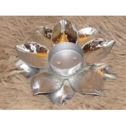 Bougeoir métal argent fleur de lotus Aulica