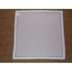 Nappe infroissable blanc uni bord ajouré 180x180cm Simla