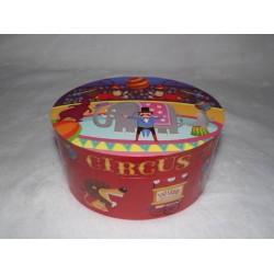 Boite à musique et à bijoux ovale rouge décor cirque ref 22115