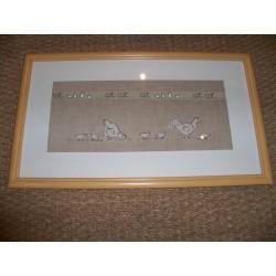 Cadre décor poules et poussins fabrication artisanale en points de croix sur toile lin