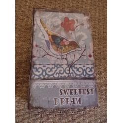 Boite en forme de livre en bois décor oiseau multicolore inscription sweetest dream  GM