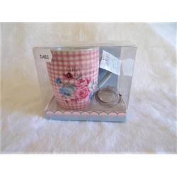 Coffret 1 mug en porcelaine vichy décor roses + boule à thé