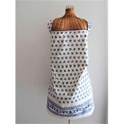Tablier en tissu bleu et blanc motif provençal fait main.